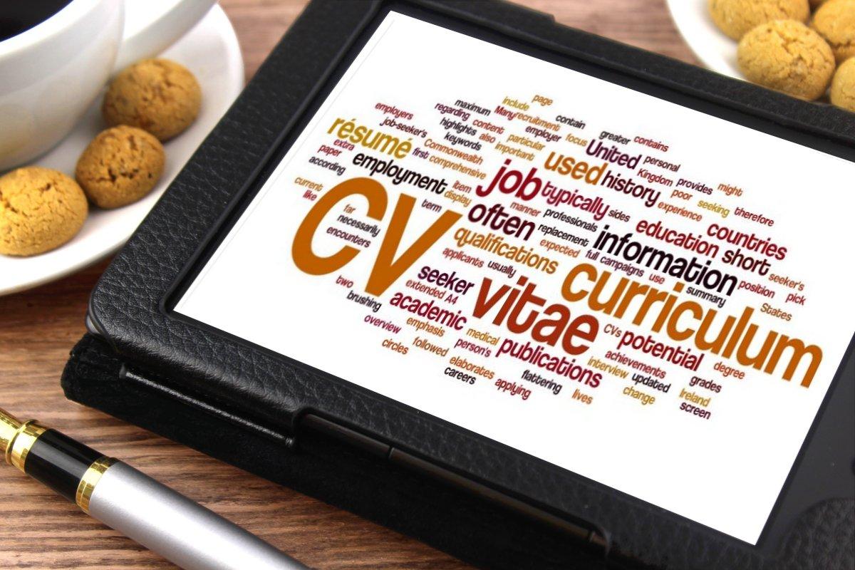 comment  u00e9crire un bon cv   3 conseils pour convaincre les recruteurs